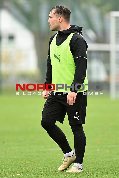 19.11.2020, Sportpark Illoshöhe, Osnabrück, GER, 2. FBL, Training VfL Osnabrück <br /> <br /> im Bild<br /> Nico Granatowski (VfL Osnabrück)<br /> <br /> Foto © nordphoto / Paetzel