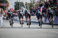 team SKY accelerating out of the start box<br /> <br /> Men's Team Time Trial<br /> <br /> UCI 2017 Road World Championships - Bergen/Norway
