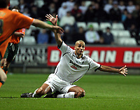 Pictured: Darren Pratley of Swansea City in action <br /> Picture by D Legakis / Athena Picture Agency, Swansea, 07815441513