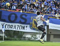"""BOGOTA - COLOMBIA -16-02-2013: Fredy Montero(Fuera de Cuadro) de Millonarios anota gol a Hugo Soto, portero del Envigado durante  partido por la Liga de Postobon I en el estadio Nemesio Camacho """"El Campín"""" en la ciudad de Bogotá, febrero 9, 2013. (Foto: VizzorImage / Luis Ramírez / Staff). Freddy Montero(Out Of Picture) of Millonarios  scored a gaol to Hugo Soto goalkeeper of Envigado during a match for the Postobon I League at the Nemesio Camacho  ?El Campin? stadium in Bogota city, on February 16, 2013, (Photo: VizzorImage / Luis Ramírez / Staff).."""