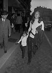 PAOLA GASSMAN CON LA FIGLIA SIMONA VIRGILIO<br /> ROMA 1971