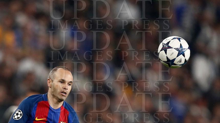 Football Soccer: UEFA Champions UEFA Champions League quarter final first leg Juventus-Barcellona, Juventus stadium, Turin, Italy, April 11, 2017. <br /> Barcellona's Andrés Iniesta in action during the Uefa Champions League football match between Juventus and Barcelona at the Juventus stadium, on April 11 ,2017.<br /> UPDATE IMAGES PRESS/Isabella Bonotto
