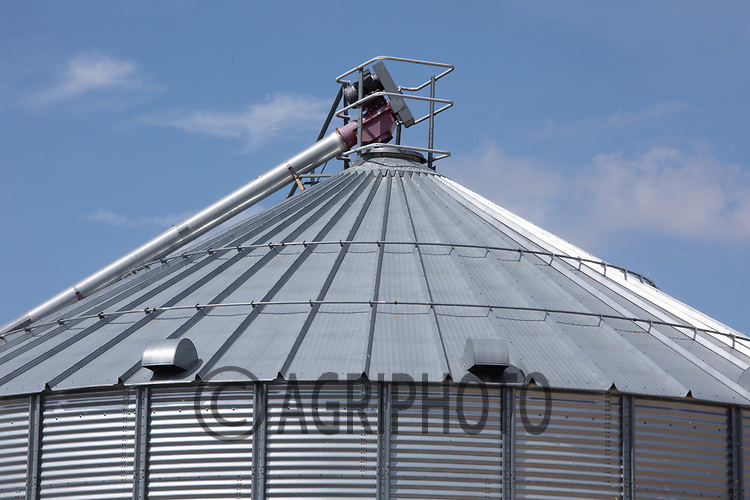 Grain storage silo<br /> ©Tim Scrivener Photographer 07850 303986<br />      ....Covering Agriculture In The UK....