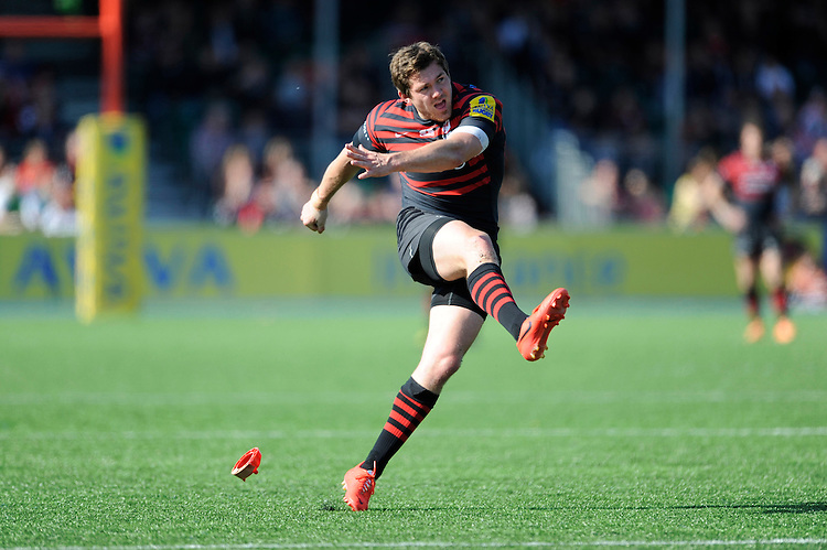 Alex Goode of Saracens takes a conversion attempt during the Aviva Premiership match between Saracens and Worcester Warriors at Allianz Park on Saturday 3rd May 2014 (Photo by Rob Munro)