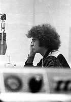 ARCHIVE - Robert Charlebois entrevue a Radio-Canada <br /> Entre 1967 et 1972, date inconnue,<br /> <br /> Photo : Agence Quebec Presse  - Alain Renaud