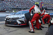 #20: Erik Jones, Joe Gibbs Racing, Toyota Camry Sports Clips, makes a pit stop.
