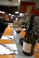 bar counter aoc restaurant avignon rhone france