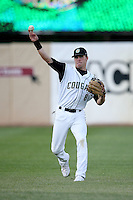 June 8, 2009: Dusty Coleman (8) of the Kane County Cougars at Elfstrom Stadium in Geneva, IL..  Photo by: Chris Proctor/Four Seam Images