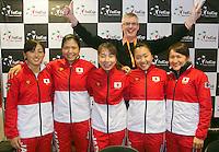 The Netherlands, Den Bosch, 16.04.2014. Fed Cup Netherlands-Japan, Press-conference Japanese team, Dutch journalist Robert Misset with Japanese Team<br /> Photo:Tennisimages/Henk Koster