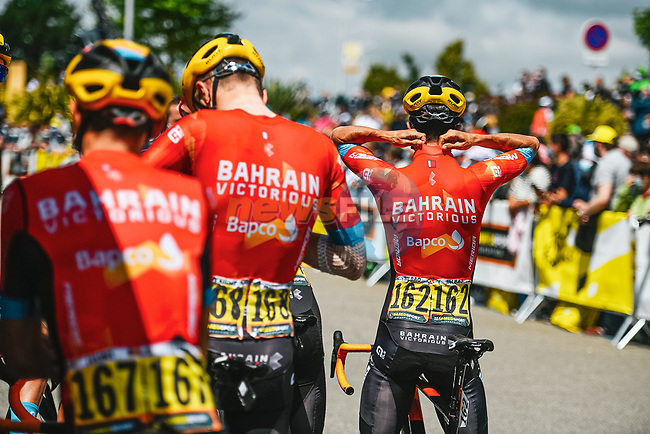 Bahrain Victorious at sign on before the start of Stage 4 of the 2021 Tour de France, running 150.4km from Redon to Fougeres, France. 29th June 2021.  <br /> Picture: A.S.O./Charly Lopez   Cyclefile<br /> <br /> All photos usage must carry mandatory copyright credit (© Cyclefile   A.S.O./Charly Lopez)