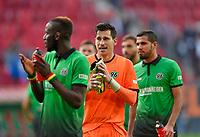 21.10.2017,  Football 1.Liga 2017/2018, 9. match day, FC Augsburg - Hannover 96, in WWK-Arena Augsburg. goalkeeper Philipp Tschauner (Hannover 96) ist  gluecklich. *** Local Caption *** © pixathlon<br /> <br /> +++ NED + SUI out !!! +++<br /> Contact: +49-40-22 63 02 60 , info@pixathlon.de