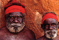 ABORIGINAL ELDERS AT AYERS ROCK