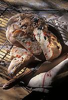Gastronomie générale / Cuisine générale : Pain aux piments - Stylisme : Valérie LHOMME