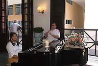Cuba, Habana, im Cafe Ambos Mundos