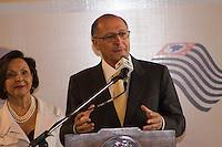 SAO PAULO, SP - 10.12.2014 - O Governador do Estado de São Paulo, Geraldo Alckmin, participa da entrega do I Prêmio Melhores Empresas para Trabalhadores com Deficiência no Palácio dos Bandeirantes na manhã desta quarta-feira (10). O Evento realizado por meio da Secretaria de Estado dos Direitos da Pessoa com Deficiencia com parceria da Fundação Instituto de Pesquisas Econômicas (Fipe), contou com empresários da área como Rodrigo Mendes entre outros. <br /> <br /> (Foto: Fabricio Bomjardim / Brazil Photo Press)