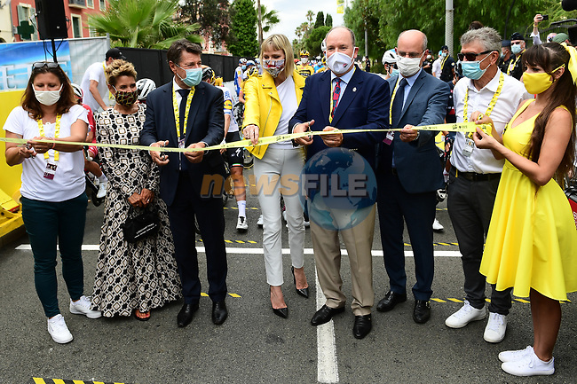 Christian Estrosi and S.A.S Le Prince Albert II cut the tape before the start of Stage 1 of Tour de France 2020, running 156km from Nice Moyen Pays to Nice, France. 29th August 2020.<br /> Picture: ASO/Alex Broadway | Cyclefile<br /> All photos usage must carry mandatory copyright credit (© Cyclefile | ASO/Alex Broadway)