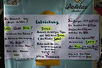 2020/05/06 Politik | Berlin | Plakate Corona-Verschwörung