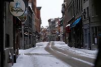 Rue deserte du Vieux-Montreal durant le covid 19, Janvier 2021<br /> <br /> PHOTO :  Raffi Kirdi - Agence Québec Presse