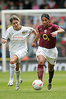 Arsenal vs Leeds United - Womens FA Cup Final at Millwall Football Club - 01/05/06 - Arsenal's Mary Phillip (right) brings the ball away from Karen Walker  - (Gavin Ellis 2006)