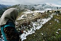 Nagorno Karabakh / Caucaso.<br /> Tra le montagne al confine tra Armenia e Azerbaijan restano le macerie dei villaggi distrutti durante il conflitto del 1994 per il controllo della regione del Nagorno Karabakh.<br /> Between the mountains on the border between Armenia and Azerbaijan remain the ruins of villages destroyed during the 1994 conflict for control of the Nagorno Karabakh. <br /> Photo Livio Senigalliesi