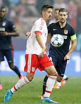 Atletico de Madrid's Gabi Fernandez (r) and SL Benfica's Andre Almeida during Champions League 2015/2016 match. September 30,2015. (ALTERPHOTOS/Acero)