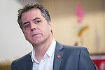 © Joel Goodman - 07973 332324 . 27/09/2016 . Liverpool , UK . STEVE ROTHERAM at a visit to Faith Primary School in Liverpool , with Jeremy Corbyn , where they listened to and then joined in with the school orchestra . Photo credit : Joel Goodman
