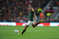 Handre Pollard of South Africa takes a penalty kick during Match 41 of the Rugby World Cup 2015 between South Africa and Wales - 17/10/2015 - Twickenham Stadium, London<br /> Mandatory Credit: Rob Munro/Stewart Communications