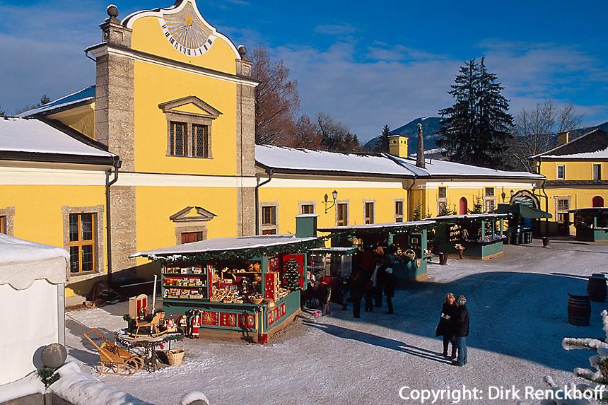Weihnachtsmarkt bei Schloss Hellbrunn  in  Salzburg, Österreich
