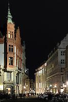 Blick in die Petersstraße . Foto: Norman Rembarz..Norman Rembarz , ( ASV-Autorennummer 41043728 ), Holbeinstr. 14, 04229 Leipzig, Tel.: 01794887569, Hypovereinsbank: BLZ: 86020086, KN: 357889472, St.Nr.: 231/261/06432 - Jegliche kommerzielle Nutzung ist honorar- und mehrwertsteuerpflichtig! Persönlichkeitsrechte sind zu wahren. Es wird keine Haftung übernommen bei Verletzung von Rechten Dritter. Autoren-Nennung gem. §13 UrhGes. wird verlangt. Weitergabe an Dritte nur nach  vorheriger Absprache..