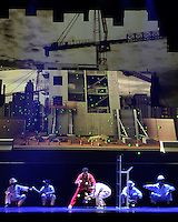 "BOGOTÁ-COLOMBIA-24-03-2016. Presentación  de la compañía ""Cirque Éloize"" (Canada) en la Carpa de la Américas como parte del XV Festival Iberoamericano de Teatro de Bogotá. Este es el festival de teatro más grande del mundo y se lleva a cabo en Bogotá entre el 11 y el 27 de marzo de 2016. / Performance of the company ""Cirque Éloize"" (Canada) at carpa de las Americas as a part of the XV Ibero-American Theater Festival of Bogota. This is the world's largest theater festival and is held in Bogota between 11 and 27 March 2016.  Photo: VizzorImage/ Gabriel Aponte /Staff"