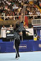 CALI – COLOMBIA – 29-07-2013: Goncalo Pereira y Leonor Da Costa de Portugal durante competencia Gimnasia Acrobática Parejas Mixtas Clasificación Dinámico en los IX Juegos Mundiales Cali, julio 29 de 2013. (Foto: VizzorImage / Luis Ramirez / Staff). Goncalo Pereira and Leonor Da Costa from Portugal in Acrobatic Gymnastics Mixed Pairs Dynamic Classification in the IX World Games Cali, July 29, 2013. (Photo: VizzorImage / Luis Ramirez / Staff).