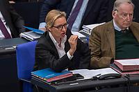"""Sitzung des Deutschen Bundestag am Donnerstag den 19. April 2018.<br /> Im Bild vlnr.:  Alice Weidel, Fraktionsvorsitzende der rechtsnationalistischen """"Alternative fuer Deutschland"""", AfD echauffiert lautstark sich waehrend der Debatte zum Thema """"Einsetzung Enquettekomission Direkte Demokratie"""". Sie wurde waehrend einer Rede darauf angesprochen, dass sie ihre Steuern in der Schweiz zahlen wuerde und nicht in Deutschland.<br /> 19.1.2018, Berlin<br /> Copyright: Christian-Ditsch.de<br /> [Inhaltsveraendernde Manipulation des Fotos nur nach ausdruecklicher Genehmigung des Fotografen. Vereinbarungen ueber Abtretung von Persoenlichkeitsrechten/Model Release der abgebildeten Person/Personen liegen nicht vor. NO MODEL RELEASE! Nur fuer Redaktionelle Zwecke. Don't publish without copyright Christian-Ditsch.de, Veroeffentlichung nur mit Fotografennennung, sowie gegen Honorar, MwSt. und Beleg. Konto: I N G - D i B a, IBAN DE58500105175400192269, BIC INGDDEFFXXX, Kontakt: post@christian-ditsch.de<br /> Bei der Bearbeitung der Dateiinformationen darf die Urheberkennzeichnung in den EXIF- und  IPTC-Daten nicht entfernt werden, diese sind in digitalen Medien nach §95c UrhG rechtlich geschuetzt. Der Urhebervermerk wird gemaess §13 UrhG verlangt.]"""