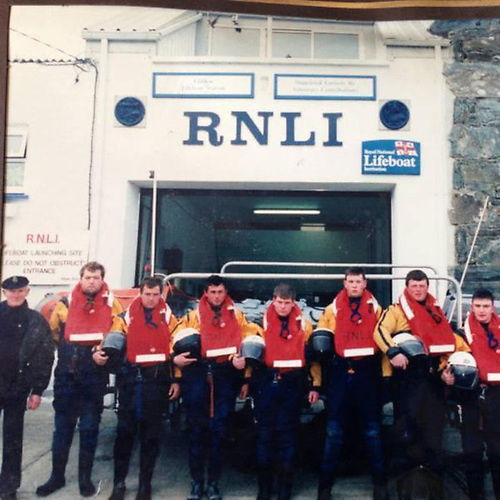 Clifden lifeboat crew at the old D-class station in 1995, when James was 18 years old | Credit: RNLI/Clifden