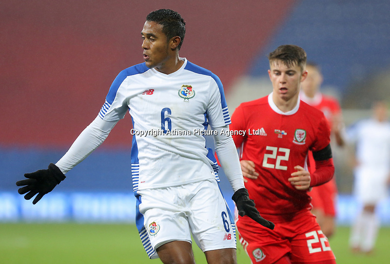 (L-R) Manuel Vargas of Panama and Ben Woodburn of Wales during the international friendly soccer match between Wales and Panama at Cardiff City Stadium, Cardiff, Wales, UK. Tuesday 14 November 2017.