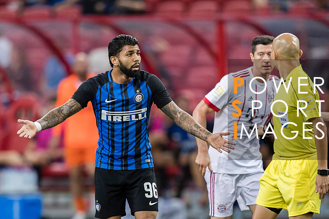FC Internazionale Forward Gabriel Barbosa (L) gestures during the International Champions Cup match between FC Bayern and FC Internazionale at National Stadium on July 27, 2017 in Singapore. Photo by Marcio Rodrigo Machado / Power Sport Images