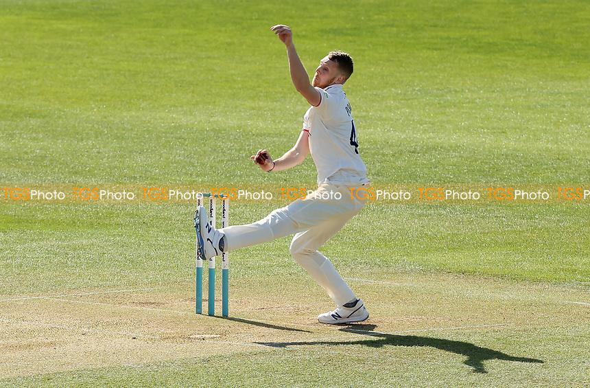 Jamie Porter of Essex in bowling action during Essex CCC vs Kent CCC, Friendly Match Cricket at The Cloudfm County Ground on 29th March 2021