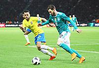 Dani Alves (Brasilien Brasilia) gegen Marvin Plattenhardt (Deutschland Germany) - 27.03.2018: Deutschland vs. Brasilien, Olympiastadion Berlin