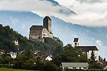 Switzerland, Canton St. Gallen, Sarganserland, Sargans: Castle Sargans and town church St. Oswald & Cassian | Schweiz, Kanton St. Gallen, Sarganserland, Sargans: Schloss Sargans und Stadtkirche St. Oswald & Cassian