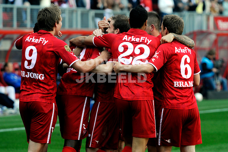 ENSCHEDE - voetbal, FC Twente - Willem II, eredivisie ,Grolsch Veste, seizoen 2010-2011, 01-05-2011    FC Twente viert de 2-0.