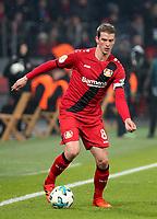 06.02.2018, Bay - Arena, Leverkusen, GER, DFB-Pokal, Bayer 04 Leverkusen vs Werder Bremen<br /> , <br />Lars Bender (Leverkusen) *** Local Caption *** © pixathlon<br /> Contact: +49-40-22 63 02 60 , info@pixathlon.de