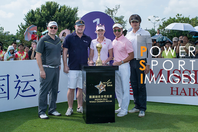 (L-R) Markus Manninen, David May, Paula Creamer, Tenniel Chu, and Chris Yu at the 1st hole during the World Celebrity Pro-Am 2016 Mission Hills China Golf Tournament on 22 October 2016, in Haikou, China. Photo by Marcio Machado / Power Sport Images