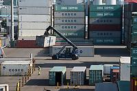 GERMANY, Hamburg, CTT container Terminal Tollerort in port / DEUTSCHLAND, Hamburg, CTT container Terminal Tollerort im Hafen