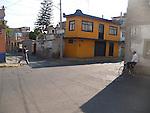 STREET SCENE ON WALK TO XOCHIMILCO FLOATING GARDENS (2)
