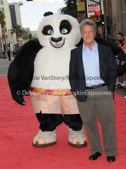Dustin Hoffman at Dreamworks Animation's debut of The Kung Fu Panda & Secrets of The Furious DVD & Blue-Ray Release held at The Grauman's Chinese Theatre in Hollywood, California on November 09,2008                                                                     Copyright 2008 Debbie VanStory/RockinExposures