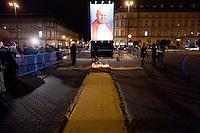 Gigantografia del Papa.Varsavia 02/04/2012 Commemorazione nel 7° anniversario della morte di Papa Giovanni Paolo II..Migliaia di fedeli si sono riversate nel centro di Varsavia per assistere alla veglia..Photo Insidefoto / ANATOMICA PRESS/Krystian Maj.ITALY ONLY