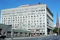 Buffalo: Ellicott Square Building, 1895-1896. D. H. Burnham and Co. Cornice removed in 1971. Photo '88.
