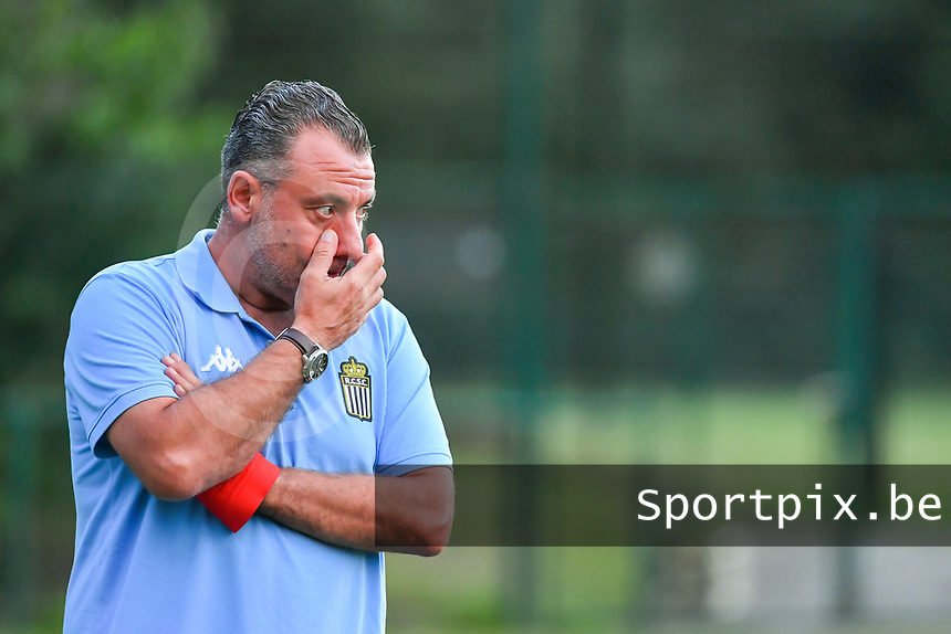 Charleroi's assistant coach Giovanni Dolore pictured during a female soccer game between KRC Genk Ladies and Sporting Charleroi  on the first matchday of the 2020 - 2021 season of Belgian Women's SuperLeague , friday 28 of August 2020  in Genk , Belgium . PHOTO SPORTPIX.BE | SPP | STIJN AUDOOREN