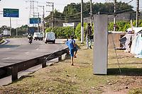 SÃO PAULO, SP, 22.06.2019: Desabrigados da Ponte Jaguaré : Moradores da Ponte Jaguaré ficam desabrigados após incêndio que atingiu a ponte na sexta - feira (21). Moradores reclamam da falta de assitência da prefeitura municipal e se reunem com secretário de habitação João Farias  na manhã  deste sábado (22) na região oeste da cidade de São Paulo SP. (Foto: Roberto Costa /Código 19).S