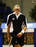 20031209, Rotterdam, LSI Masters, Wouter Standaart baalt van zijn verlies van Bart Beks