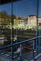 Europe/France/Aquitaine/24/Dordogne/Périgueux: Le musée Vesunna, musée Gallo-Romain , dessiné par l'architecte Jean Nouvel , s'élève désormais tout en transparence sur les vestiges d'une antique domus